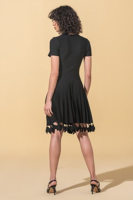 Casual dress with pleats