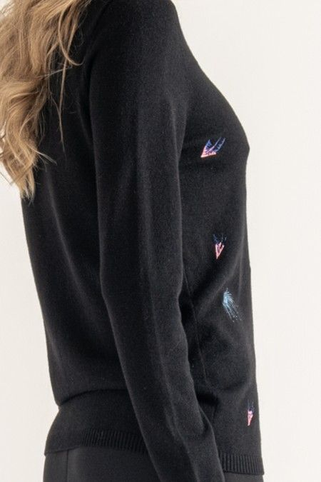 Knitted sweater with embroidery