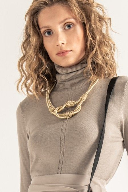 Interlaced necklace