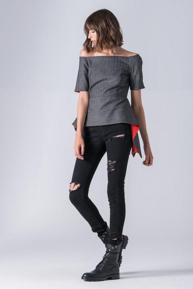 Jeans com baínha desfiada