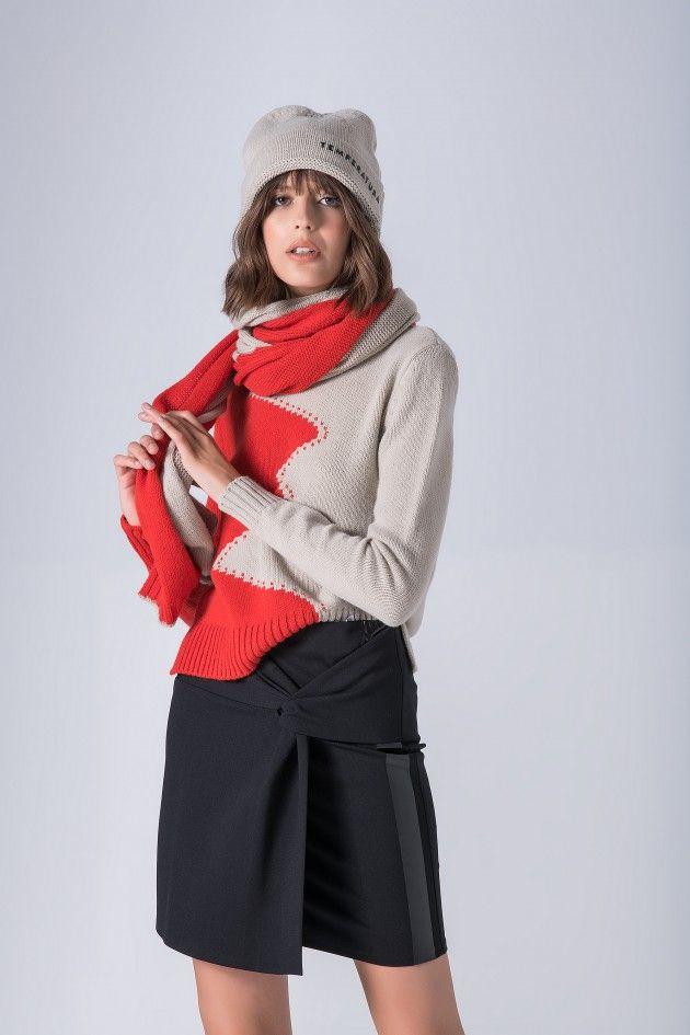 Asymetric skirt