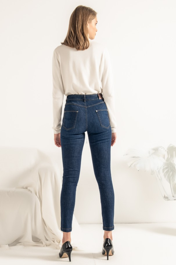 Dione Jeans