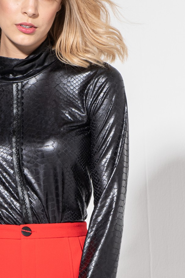 Faux leather croc-effect body
