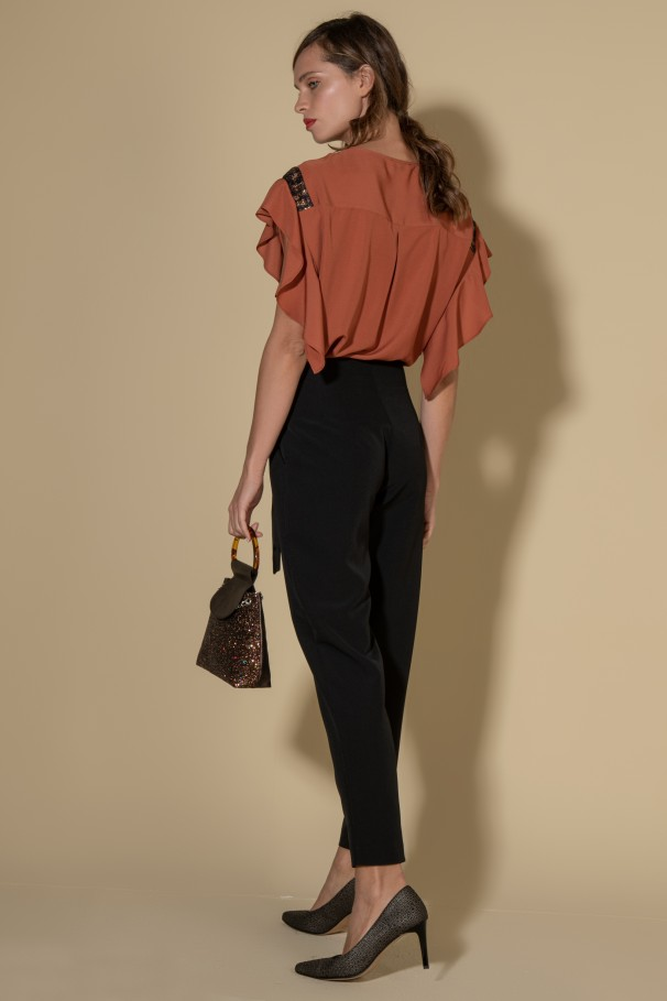 Classic pants with belt