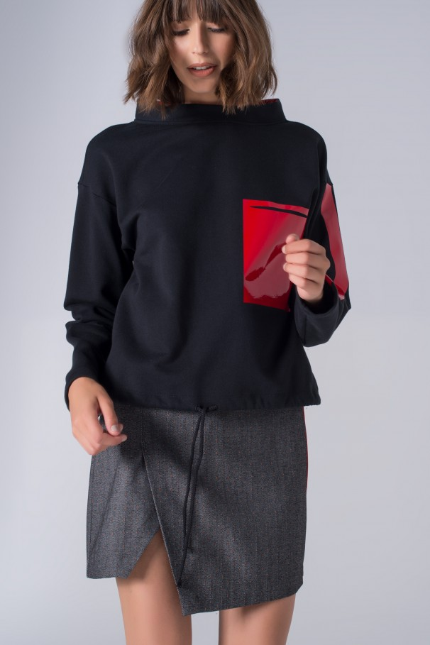 Asymmetrical short skirt