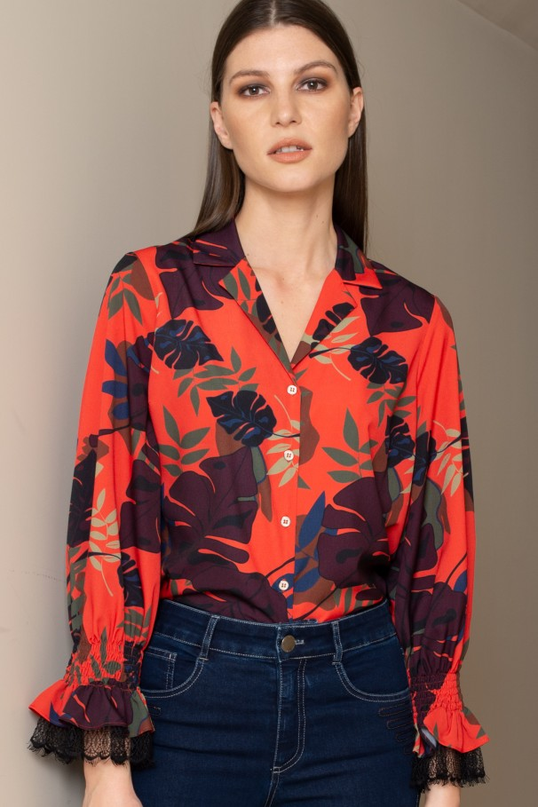 Lace-trimmed printed blouse