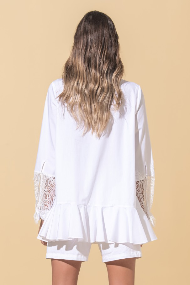 Long sleeve blouse with lace