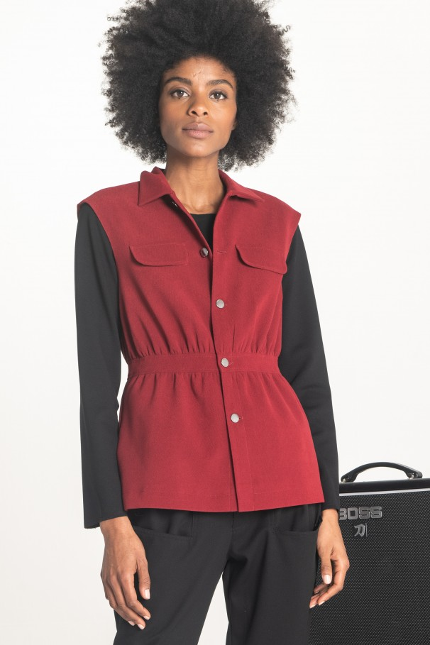 Gilet with fitted waist
