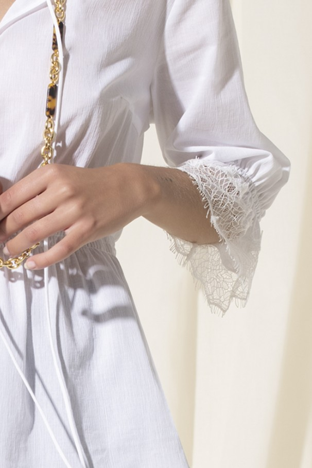 Lace tunic detail
