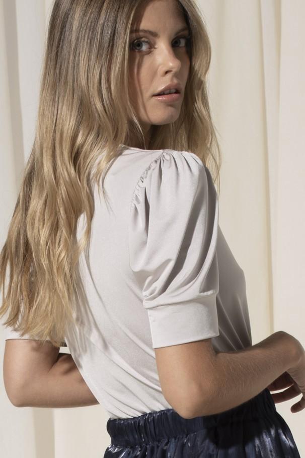 Short sleeve body