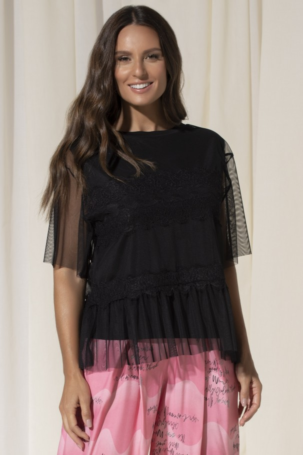 T-shirt with lace and tulle