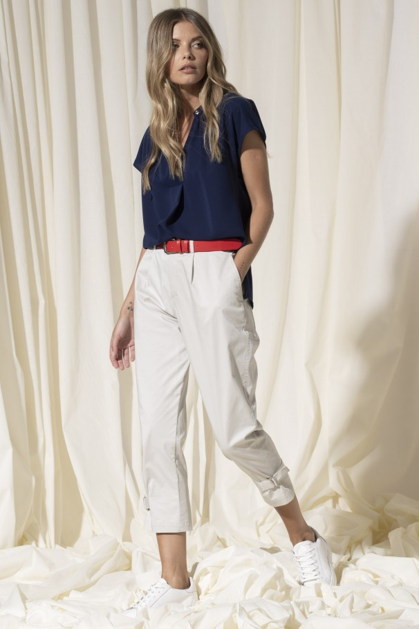 Twill trousers with buckle