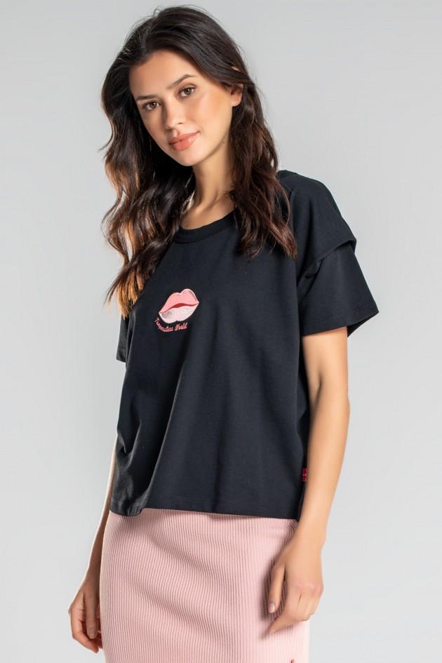 T-shirt avec emmanchures descendues