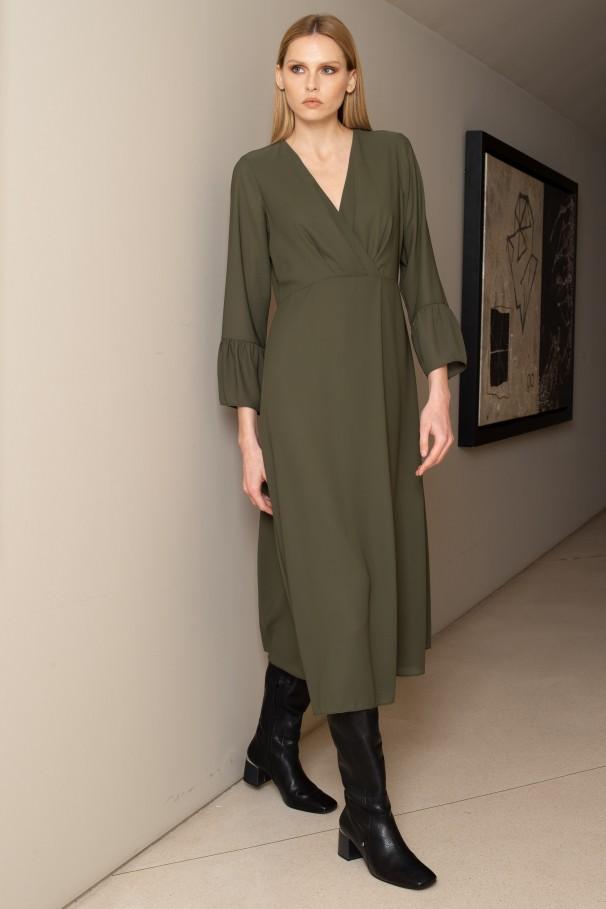 Midi dress with long sleeves