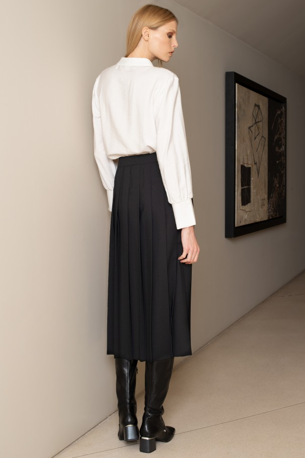 Pleated midi skirt with box pleats