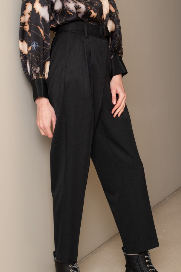 Trousers with buckled belt