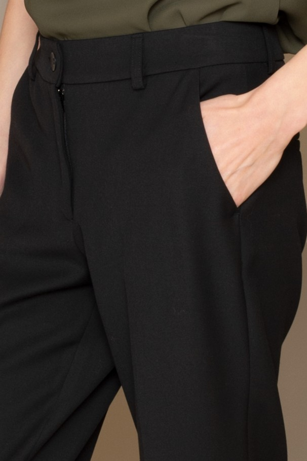 Classic trousers with side vent